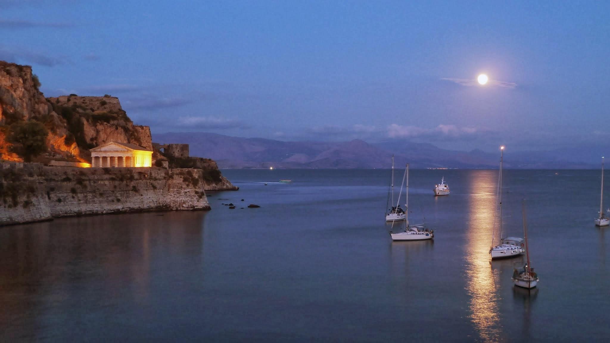 Alte Festung von Korfu im Mondlicht