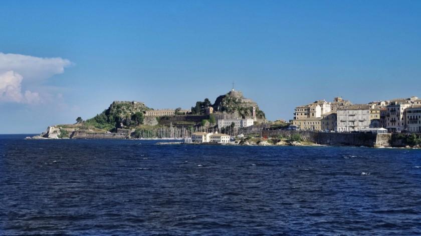 Altstadt Korfu vom Meer gesehen