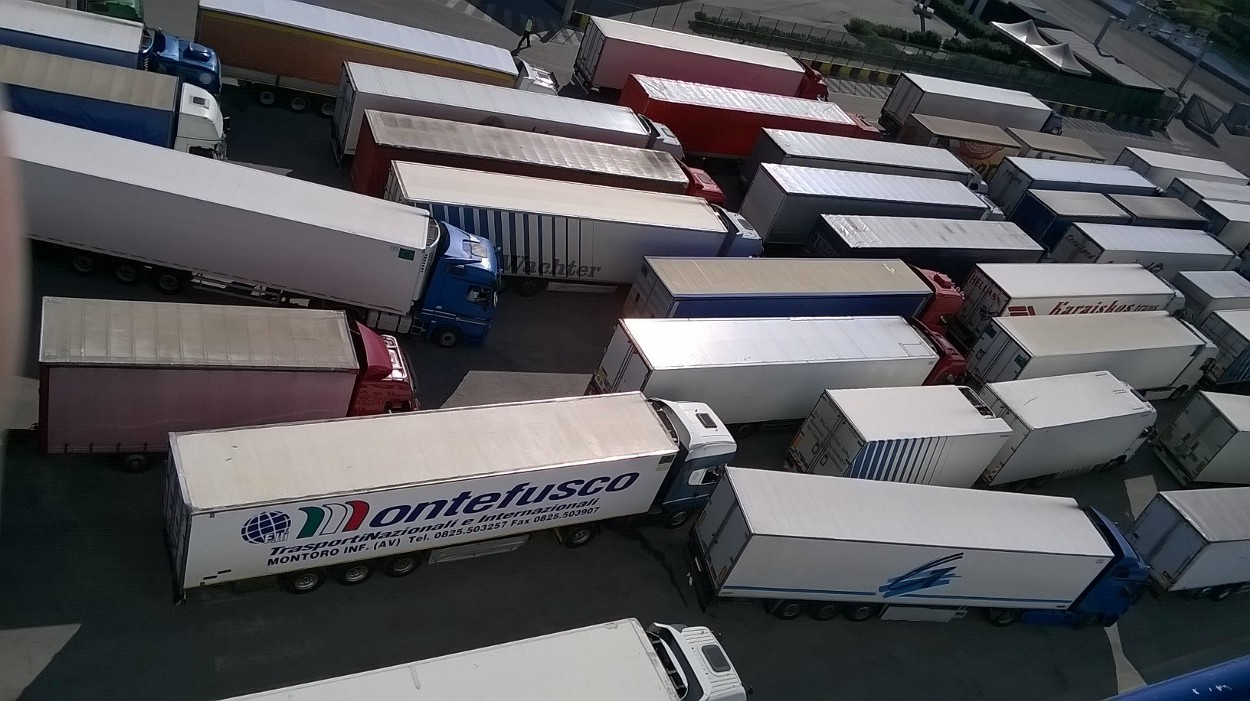 Boarding LKWs Fähre Brindisi - Igoumenitsa