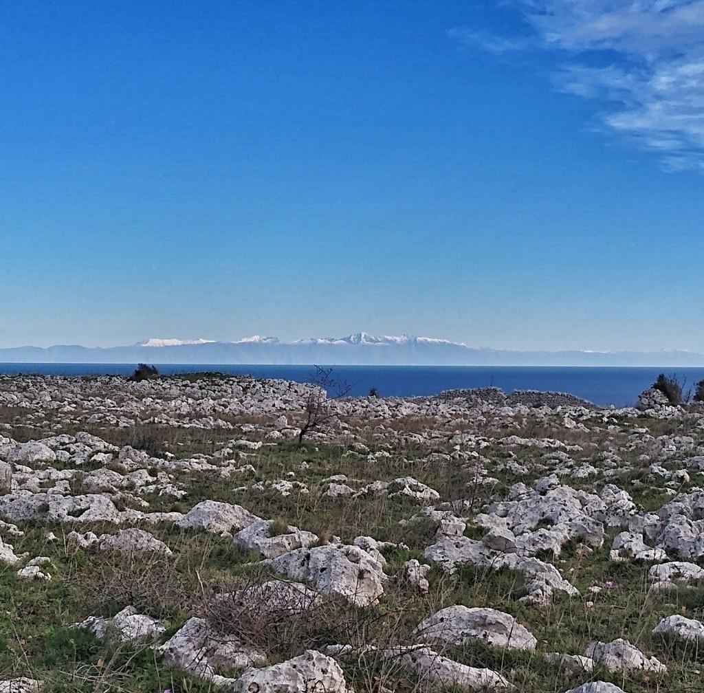 Die Berge Albaniens von Italien aus gesehen