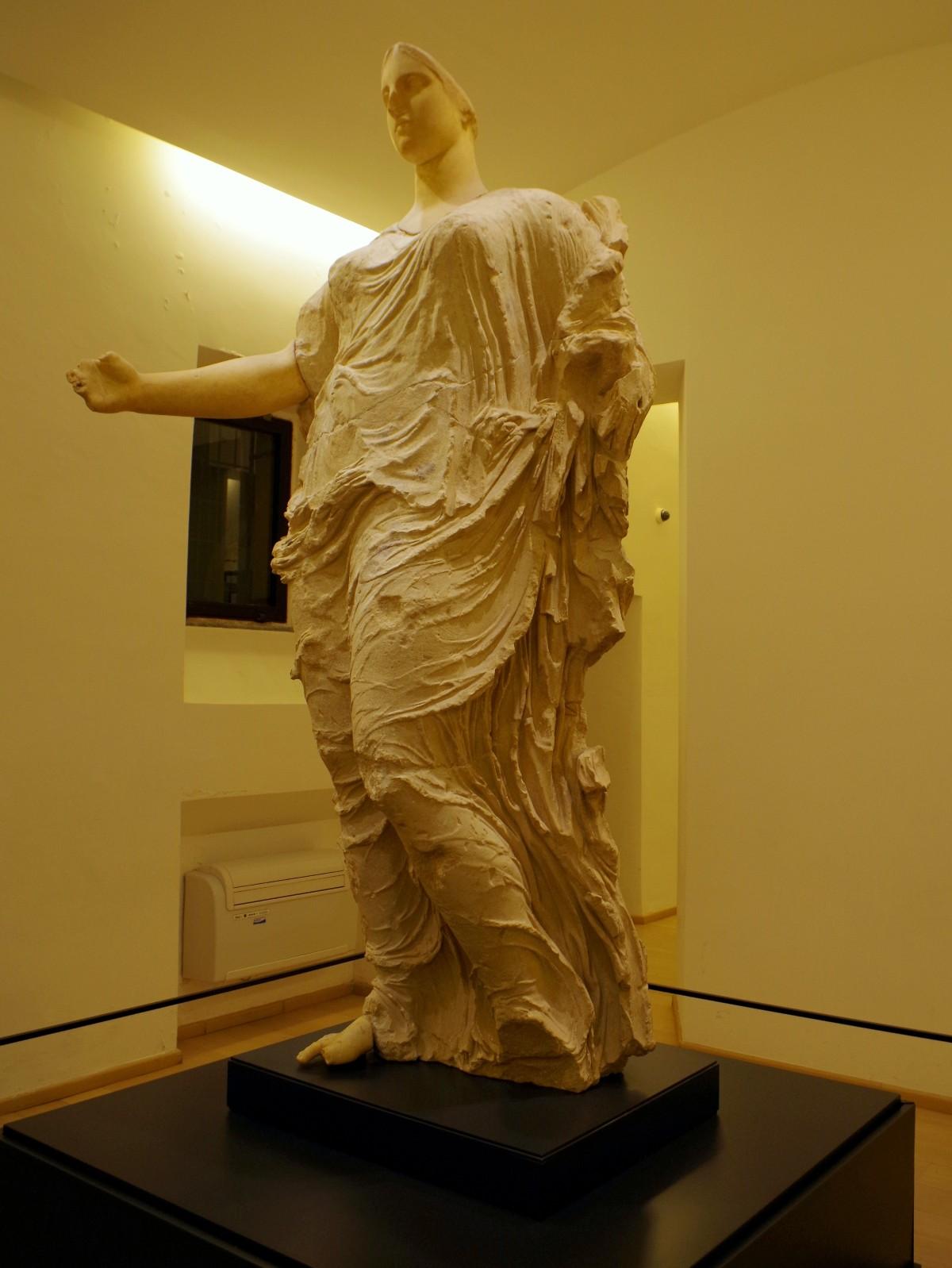 Statue der Göttin Morgantina