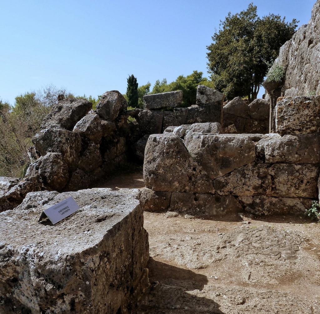 Eingang Labyrinth Totenorakel