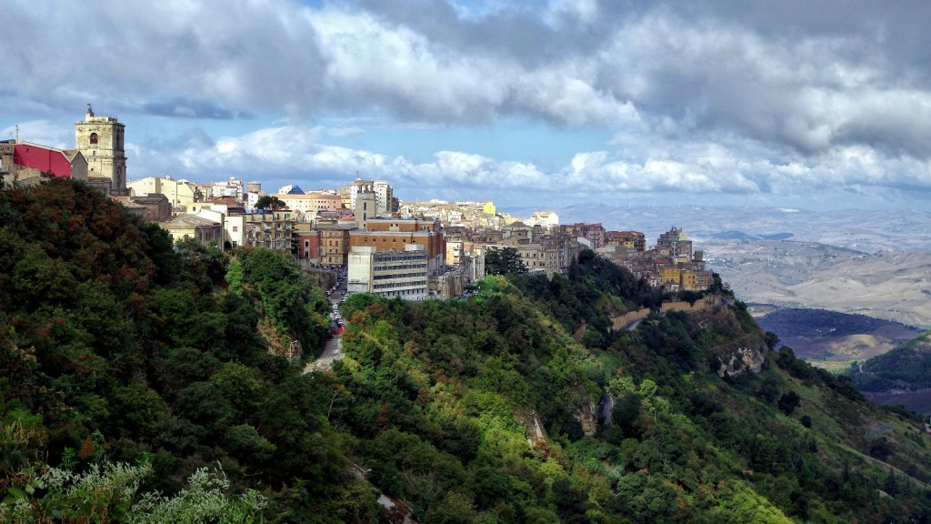 Blick vom Castello auf Enna