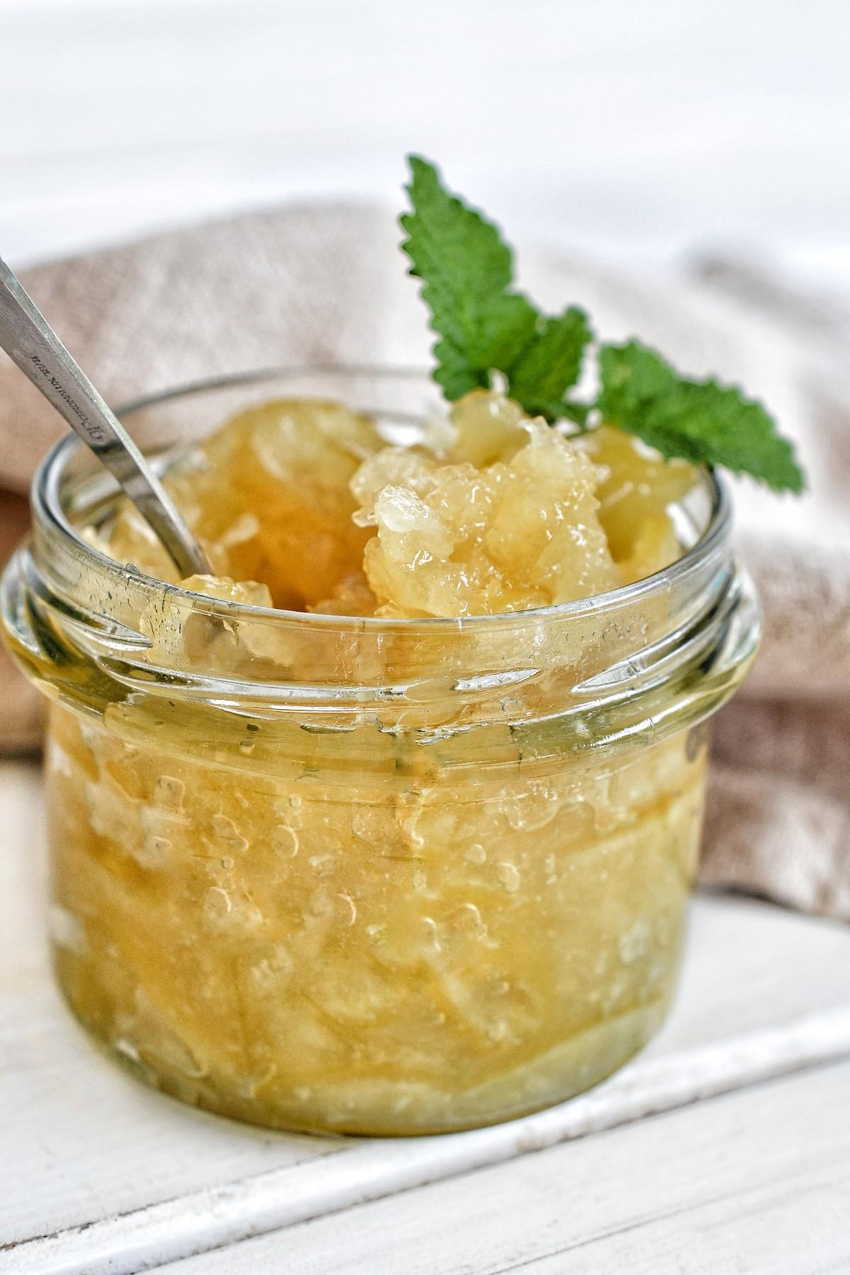 Zitronenmarmelade mit Schale